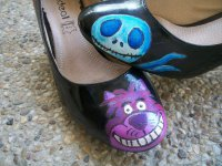 cheshire_cat_and_jack_skellington_on_shoes_by_guerredesmiroirs-d566e4b.jpg