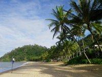 Trinity-Beach-Cairns-10.jpg